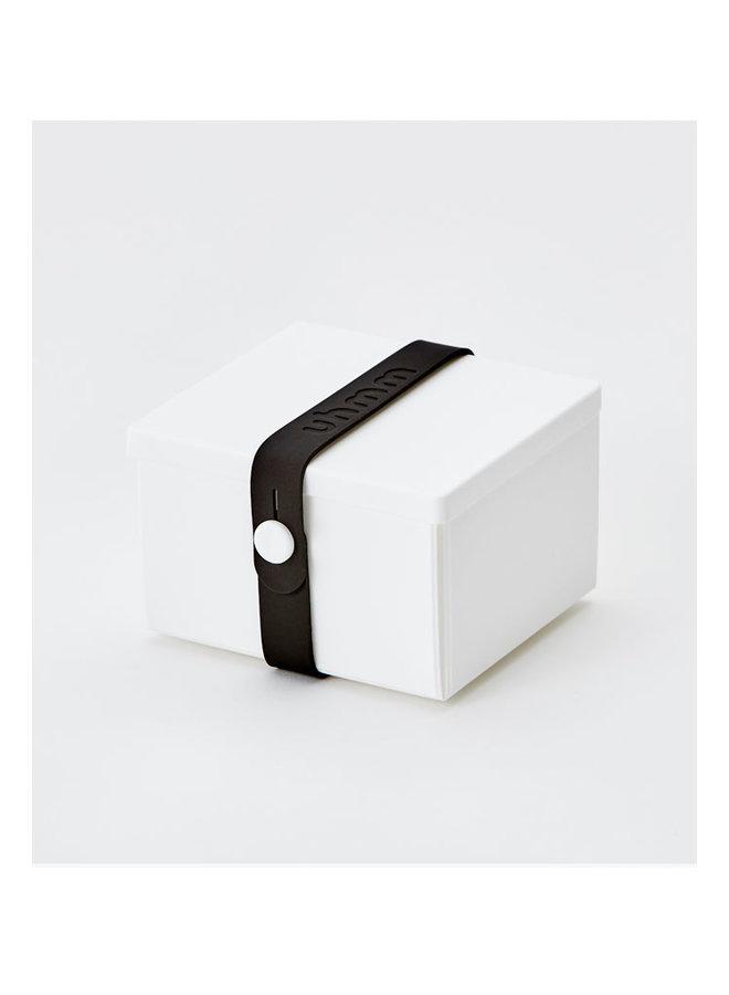 Lunchbox 02 in weiß mit schwarzem Gurt