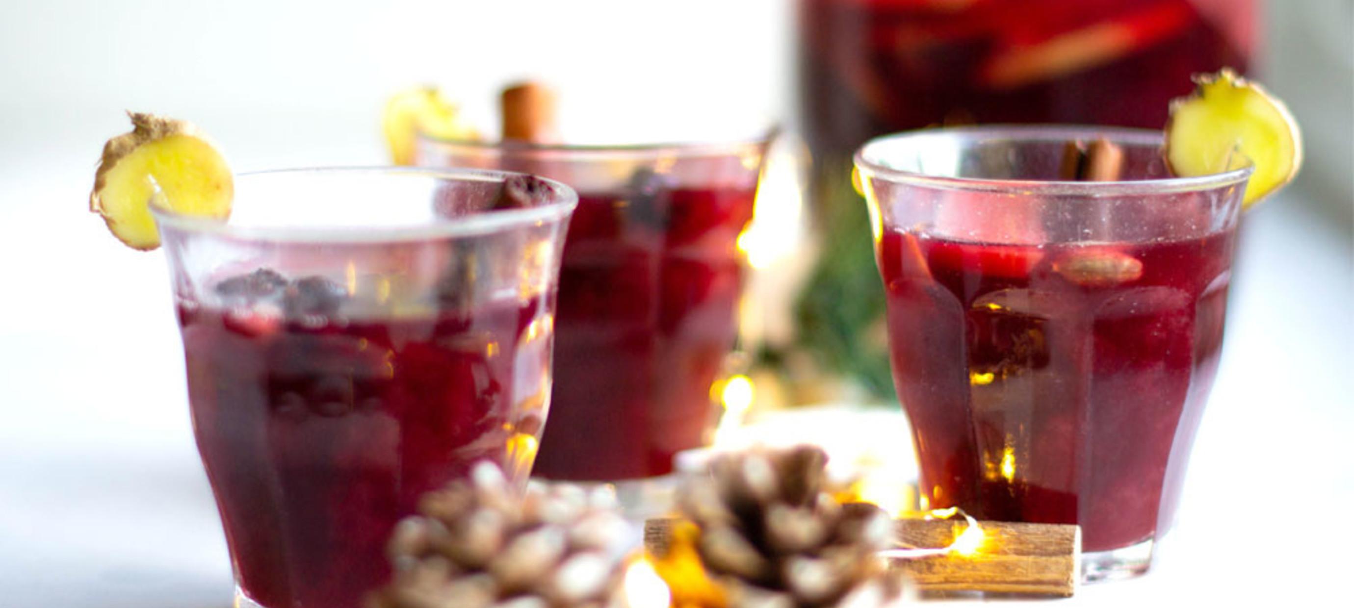Gløgg, glögg en glögi, warme (alcoholische) drank met kruiden