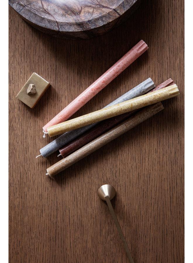 rötlich-braune Tafelkerzen Uno, im 16er-Set