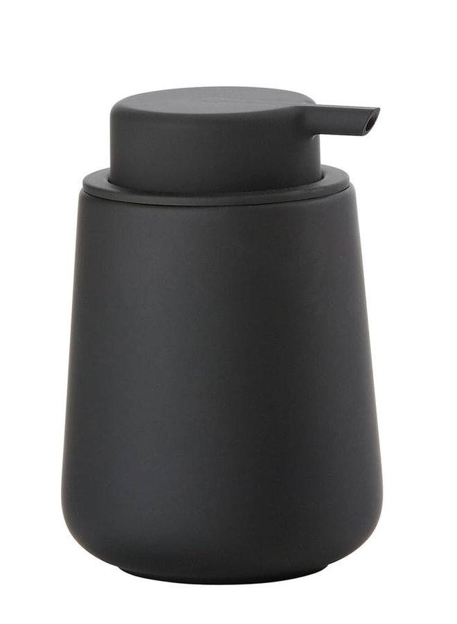 Zone Denmark schwarzer Seifenspender Nova One aus Porzellan, mit weicher Oberfläche.