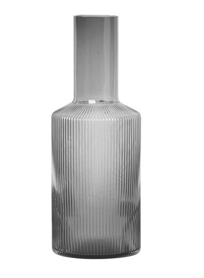 Ferm Living mondgeblazen glazen karaf Ripple van gerookt glas, 0,9 liter