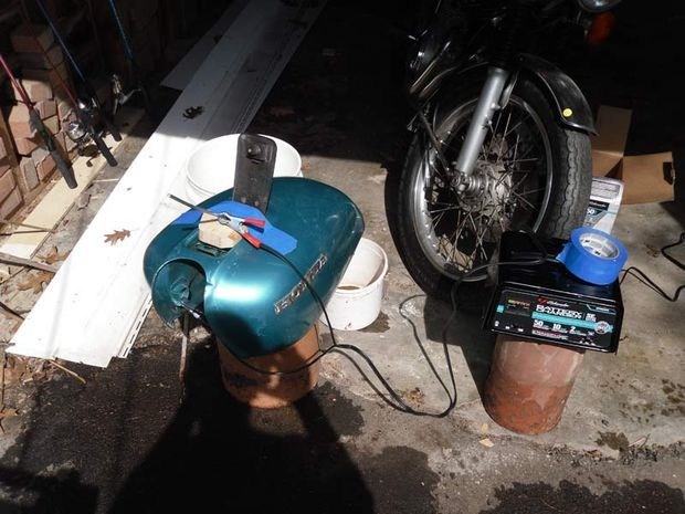 CafeRacerWeshop com | How To Remove Rust From A Fuel Tank