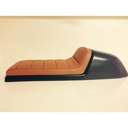 Cafe Racer Seat Tuck N' Roll Stitch Bruin Type 32