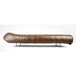 51cm - 20cm Brat seat Extra flat upswept  - Bruin type 2