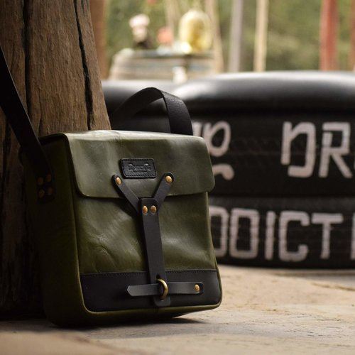 Trip Machine Messenger Bag - Groen