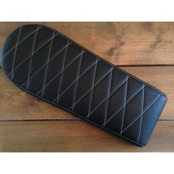 Brat Seat Diamond Black Long 60