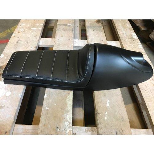 C.Racer Cafe Racer Seat Tuck 'N Roll Long Zwart Type 19