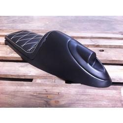Cafe Racer Seat Diamond Stitch Inbouw Achterlicht Zwart Type 92