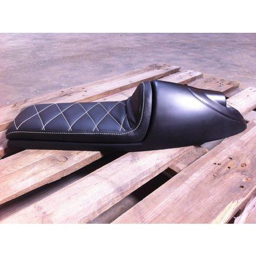 C.Racer Cafe Racer Seat Diamond Stitch Inbouw Achterlicht Zwart Type 92