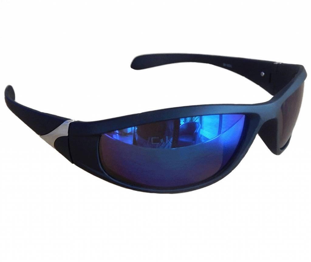 2ea97e8f70f6ee Zwarte Sportbril met Olie Spiegelglazen. Sportieve zonnebril met een mat  zwart montuur en blauw ...