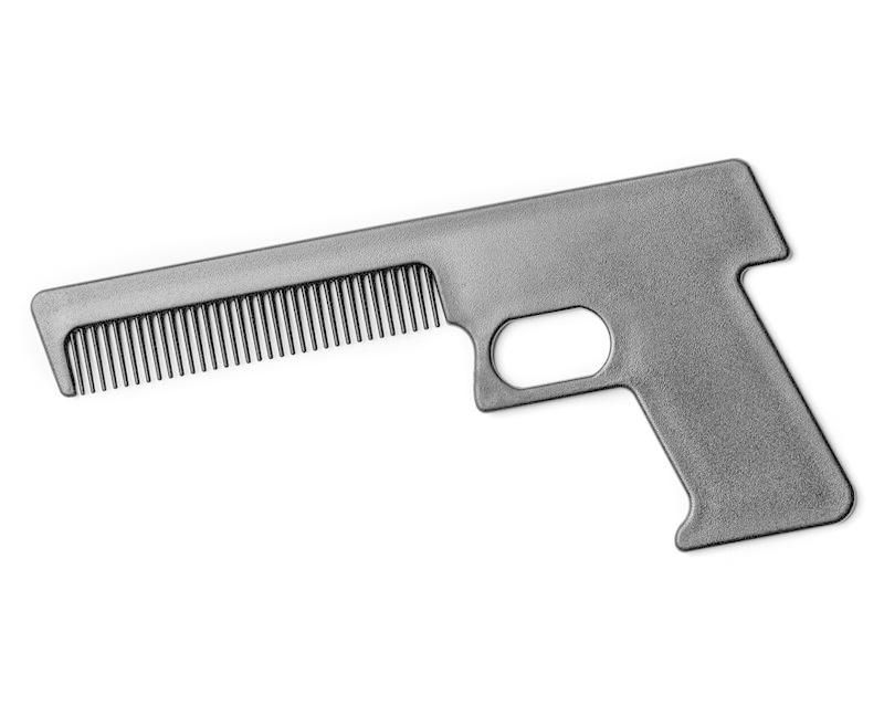 Met deze grappige pistool kam wapen je jezelf met stijl.deze pistool kam maakt het modelleren van je haar een ...