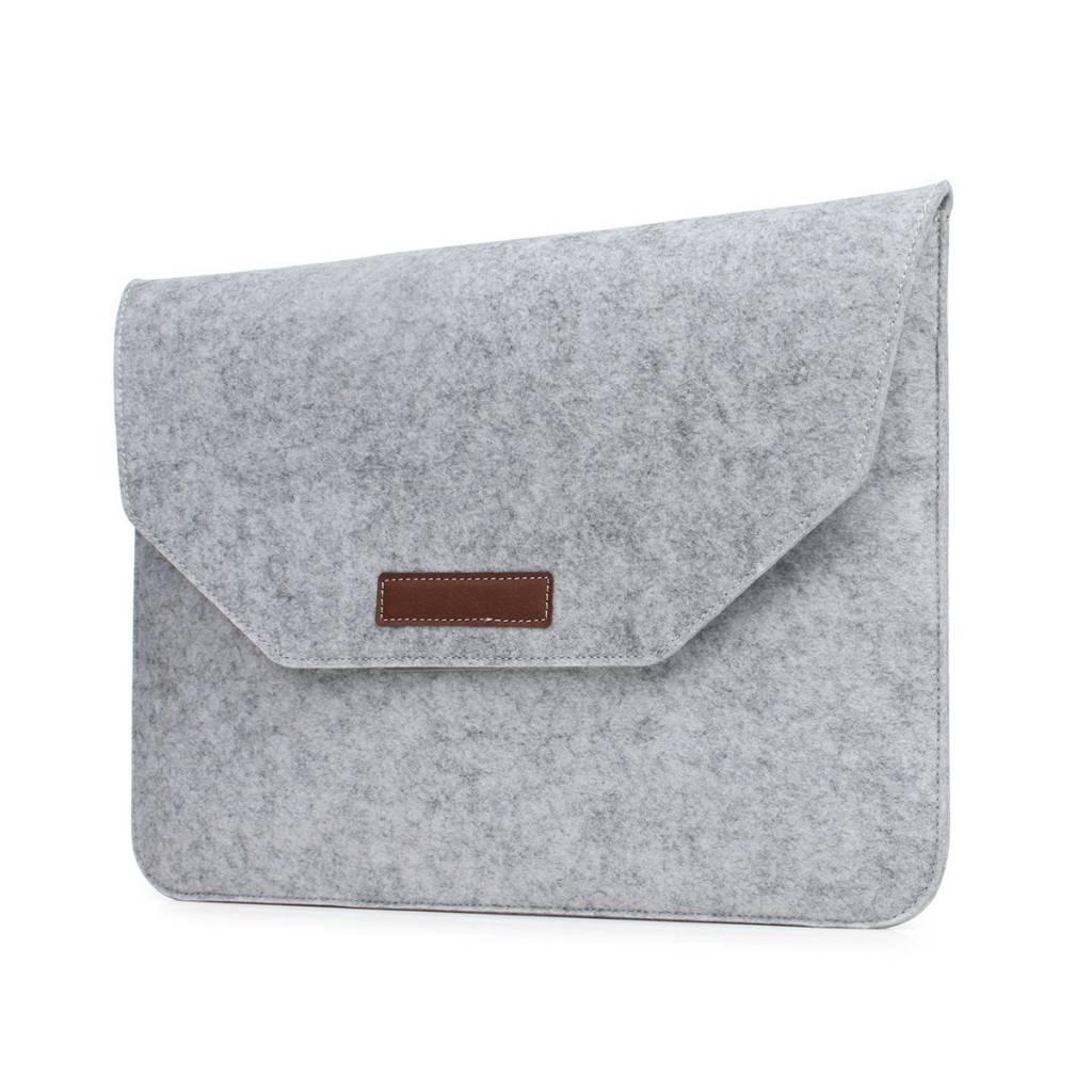Deze moderne soft sleeve tas voor de macbook&laptop 11 / 12 inch met handige vlakken voor accessoires ...