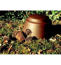 Schwegler Hedgehog Dome with insulated base