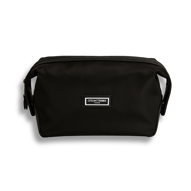 Otis Batterbee The Wash Bag Black