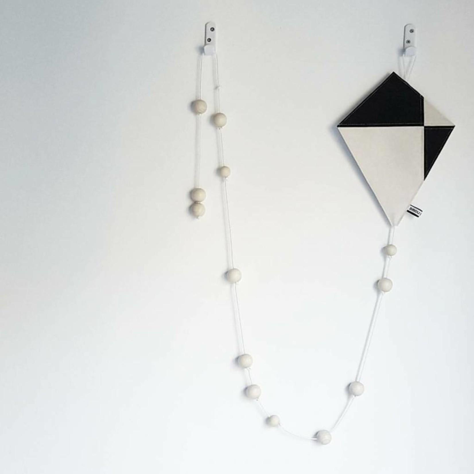 Bisou de Lou Kite | Hanger Black and White