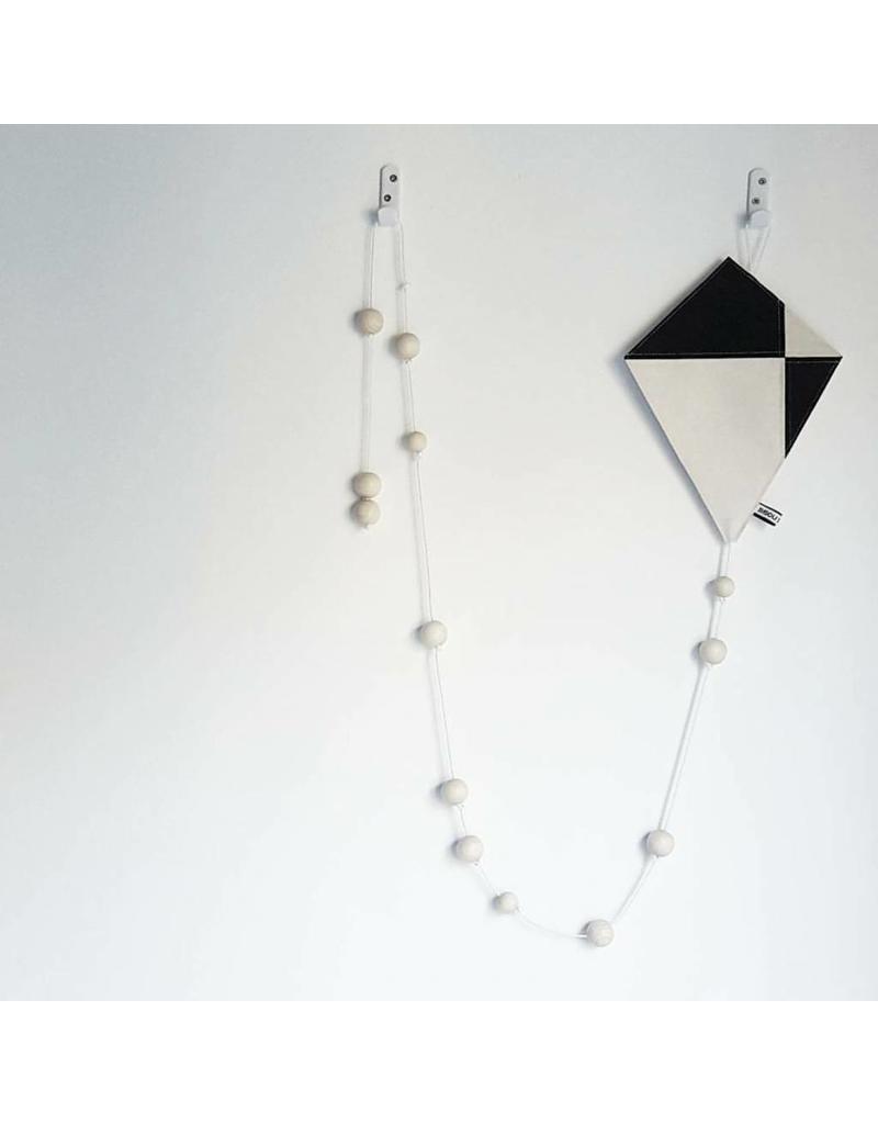 Bisou de Lou Kite   Hanger Black and White
