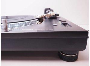 Technics SL 1200 MK5 turntable + Stanton 500 cartridge