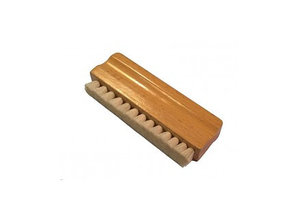 Wooden recordbrush with goathair by QS Audio