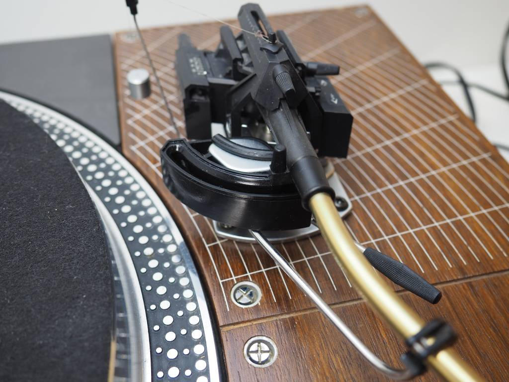 technics-sl-110-turntable-sme-3009-mk3-tonearm.jpg