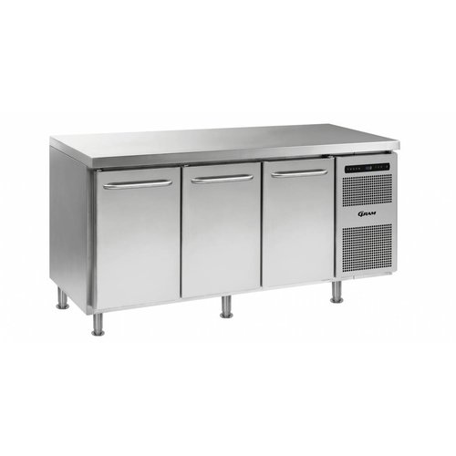 Gram refrigeration benches