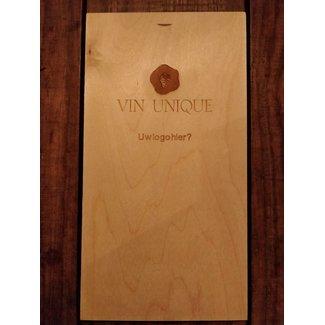 Houten wijnkistje met logo gelaserd