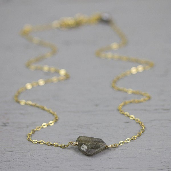 18767 - Collier gold filled met Labradoriet (SALE)