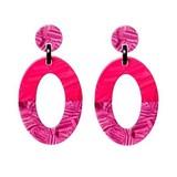 Biba  Biba oorbellen met een ovale setting en heeft een oorsteker. Breedte 3,8 cm Materiaal Zilverkleur Kleur Roze, Paars
