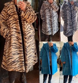 FAKE FUR COAT MATEN 46 TOT 54 ZACHT