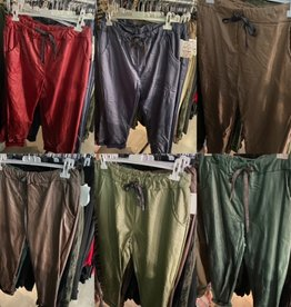 LEATHER LOOK JOGGING BROEK MATEN 44 TOT 50