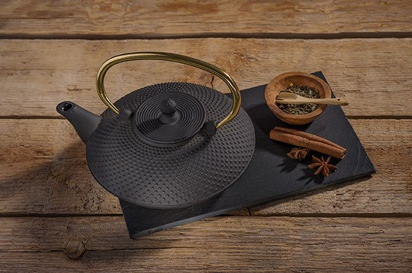 CT Nara Teapot Cast Iron 0.8L Matt Black Handle in Gold