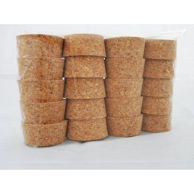 20 stuks kurken, te gebruiken voor het afdichten van boorgaten in de wand. (knie, neus en boven bij het plafond)