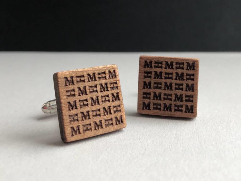 Manschettenknöpfe Holz personalisiert mit Initialen Gravur