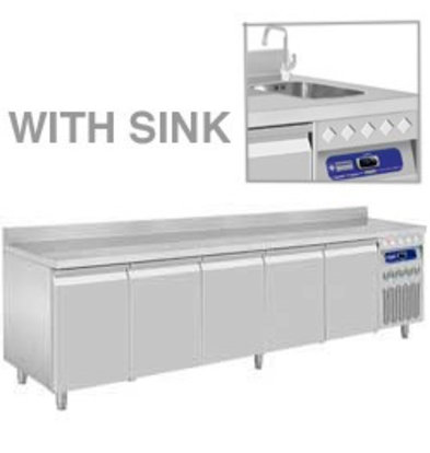 Diamond Kühltisch | Edelstahl | Aufkantung | 5 Türen | mit Waschbecken | 2625x700x(h)850-900mm
