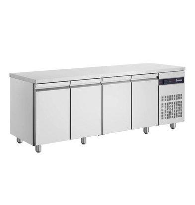 XXLselect Edelstahl Kühltisch | 4-Türig | 475 Liter | 440W | 224x60x(h)87cm