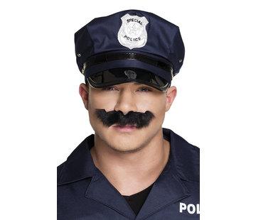 Goedkope nep snor Politie