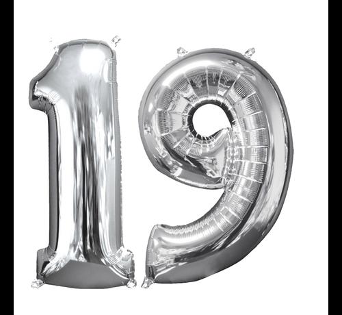 Zilveren folie ballon cijfer 19