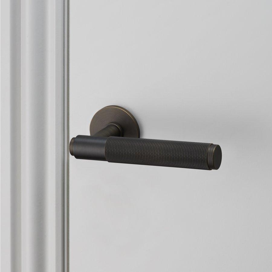 Massieve deurklinken Buster & Punch smoked brons zonder sleutelplaatjes