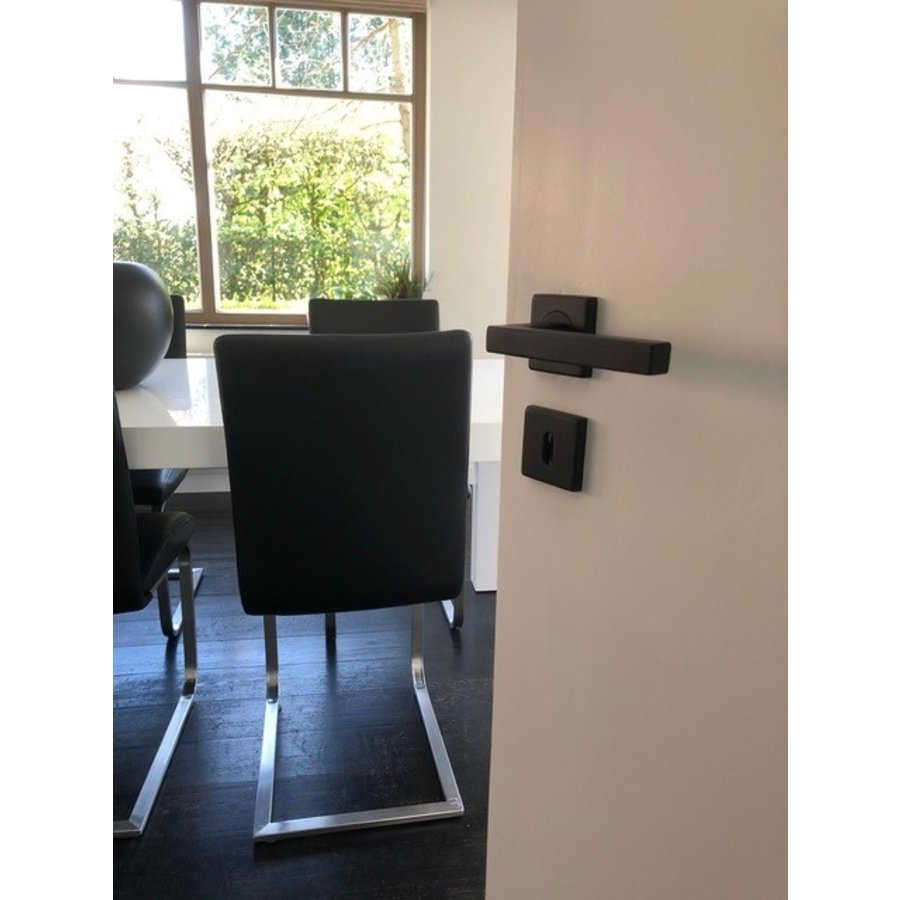 DOOR HANDLE KUBIC SHAPE BLACK 16 MM + KEY
