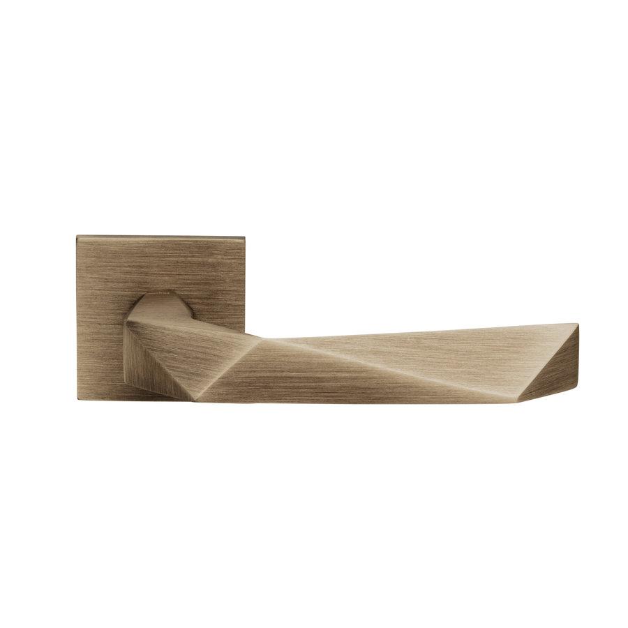 Deurklinken Luxury 02 op vierkante rozetten in mat brons