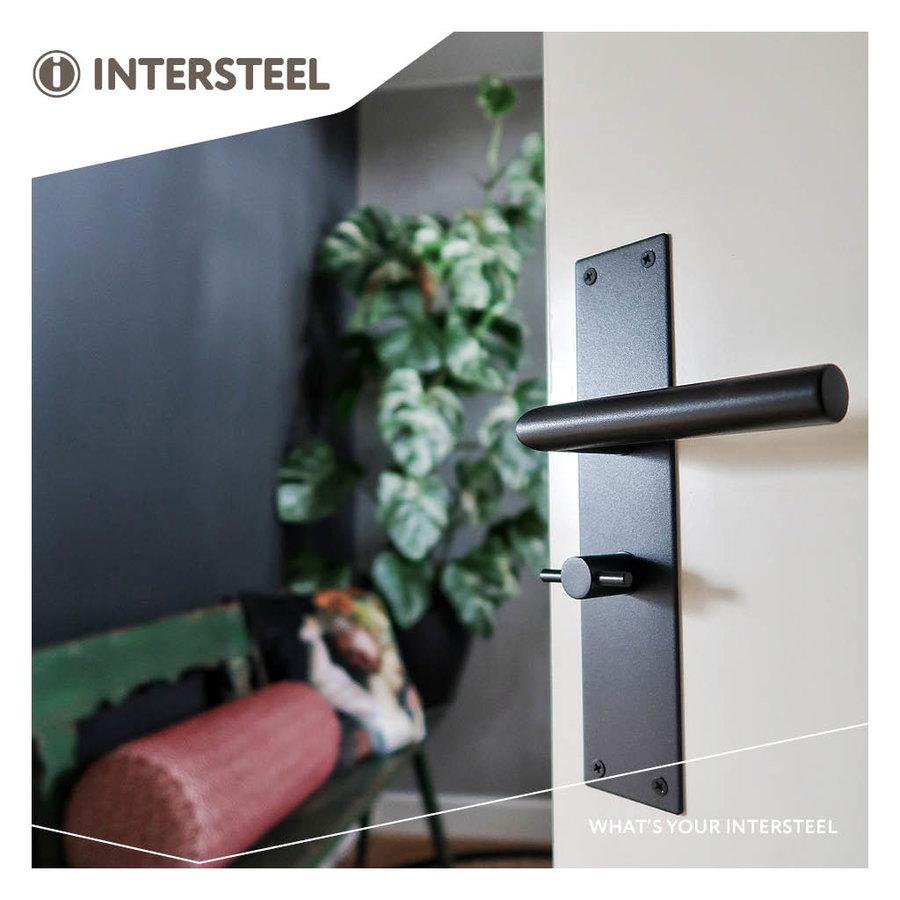 Intersteel Deurkruk Jura met schild 250x55x2mm WC63/8 zwart