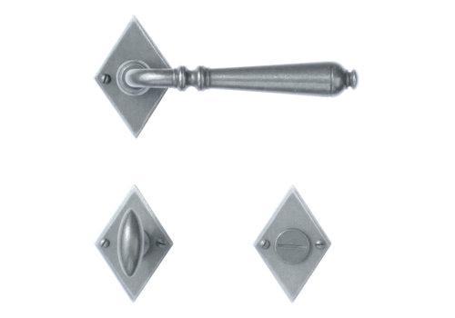 Iron door handles Elegeance diamond-shaped with WC