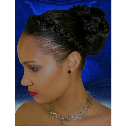 Supersize Fantasy Bun at 25 % discount, black