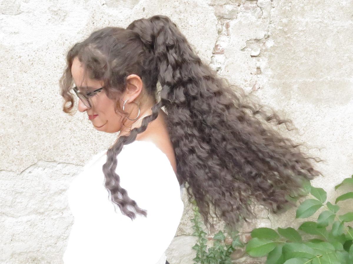 Hui Böe - die Sturmfrisur: Haarteile gut wettererprobt! (Lesezeit 3 Minuten mit Ratespaß)