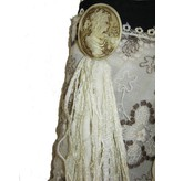 Flora Cameo belt tassel clip