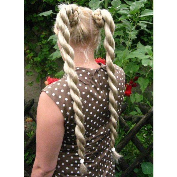 Twist Braids 2 x S size, wavy hair