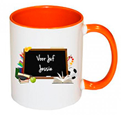 Schoolbord mok met naam juf / meester oranje