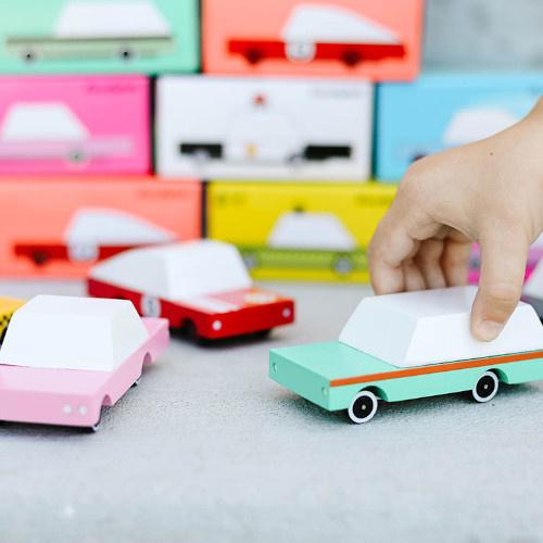 Candylabs Houten auto roze