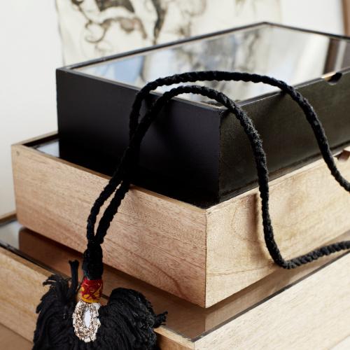 Madame Stoltz Houten doos zwart met glazen deksel