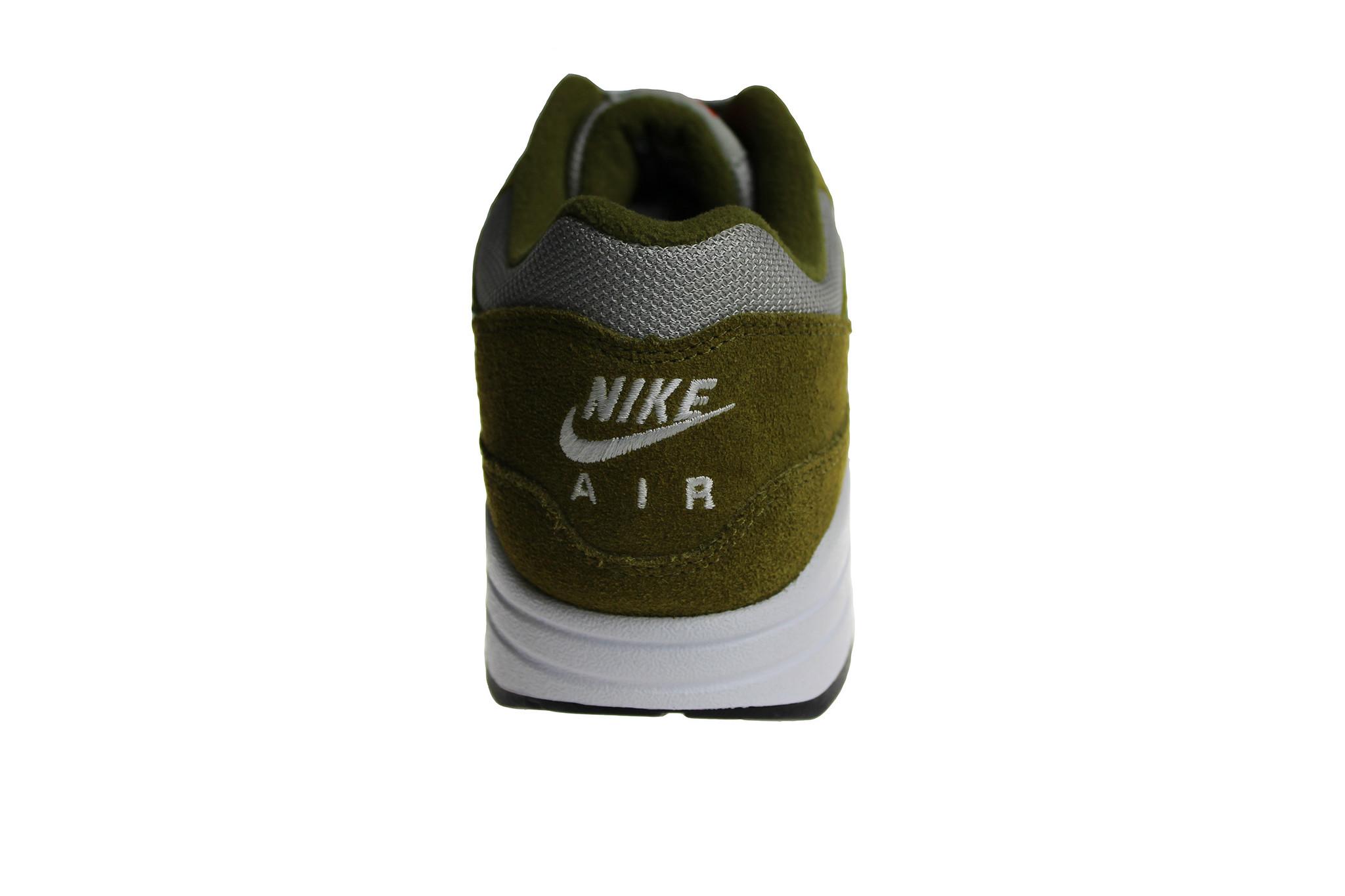 watch ae6f3 a66ab Nike Air Max 1 Premium Retro