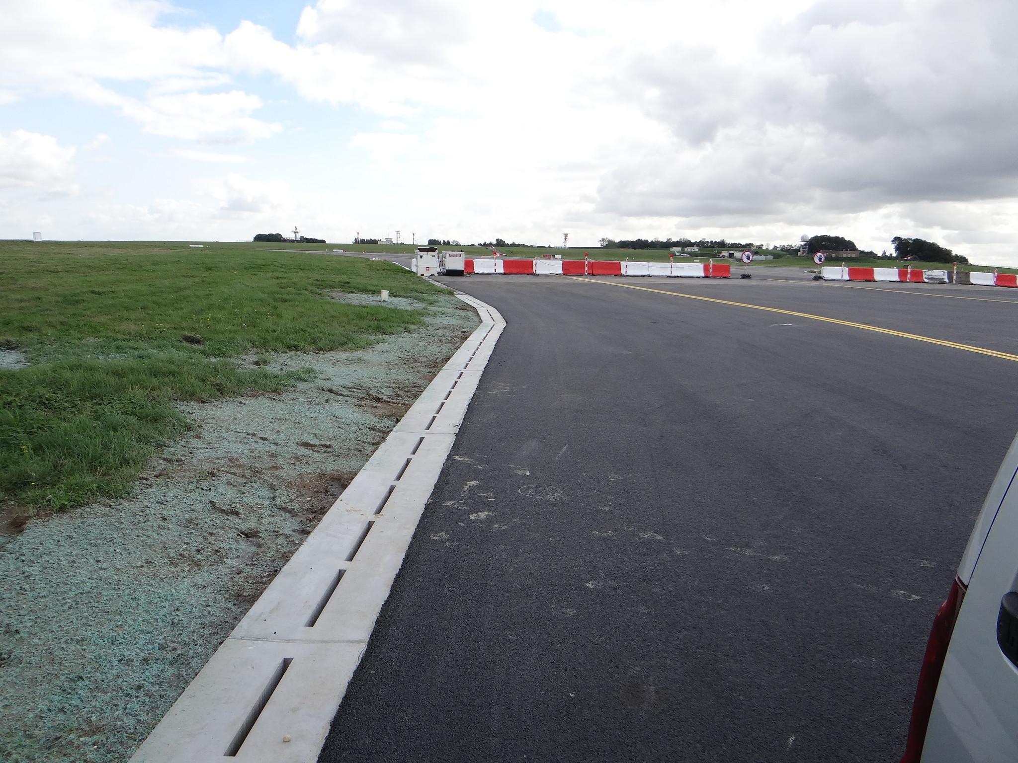 Airport-Verholen-Goot-Diederen-Drainage technology